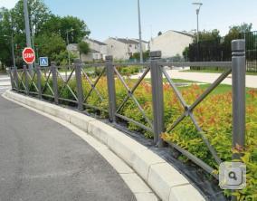 Bariery Province prosta krzyzowa, barierka drogowa dekoracyjna, bariera stalowa drogowa