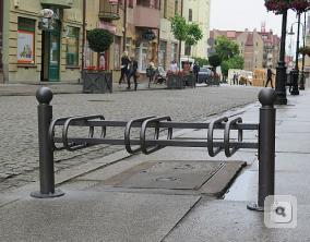 stojaki_rowerowe_stojak_rowerowy_z_galka_stojaki_na_rowery_stojak_rowerowy_wroclaw