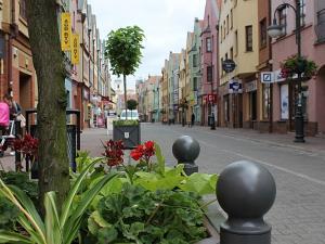 donice_do_miasta_ozdobne_stalowe_donice_miejskie_donice_na_kwiaty_miejskie_donice_uliczne_ozdbone_wroclaw