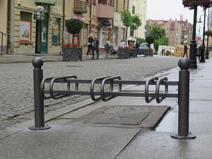 stojaki_rowerowe_ladne_stojaki_na_rowery_miejskie_stojaki_rowerowe